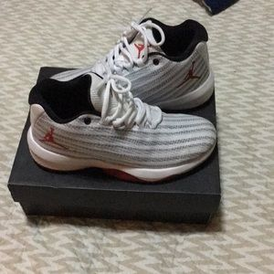 7758d9fd1bb8 Jordan Shoes - Jordan b. Fly BG size 4 sneakers
